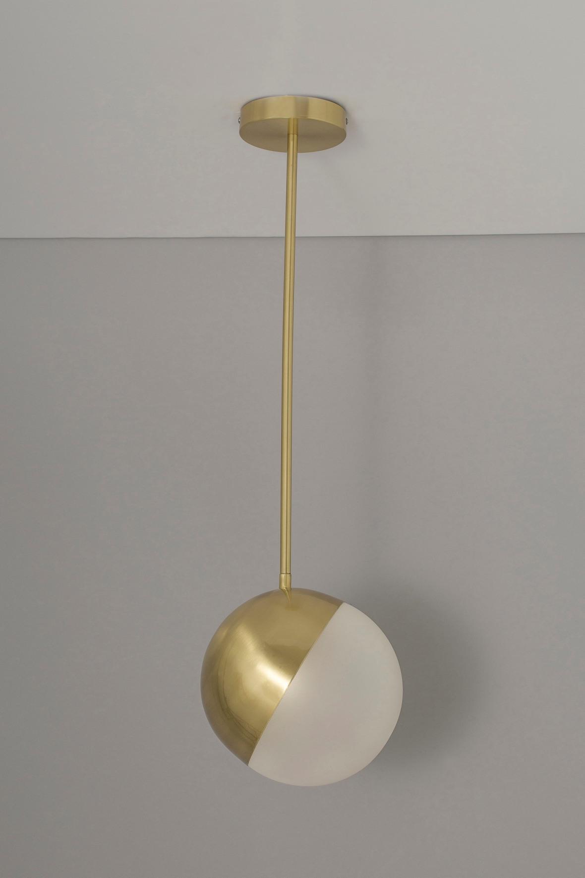 30002368-01-Kolding-ball-pendant